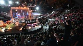 САНКТ-ПЕТЕРБУРГ, РОССИЯ - 28-ОЕ ОКТЯБРЯ 2017: Забастовка счетчика ЭПИЦЕНТРА: Глобальное оскорбительное спортивное мероприятие киб сток-видео