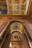 САНКТ-ПЕТЕРБУРГ, РОССИЯ - 2-ое января 2019: Красивый интерьер собора St Исаак Роскошные потолок и купол внутри стоковое фото