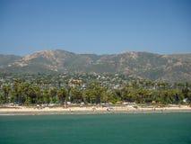 Санта-Барбара, Калифорния, США: центральные побережье, пляж Тихого океана, турист и назначение курорта стоковое фото rf