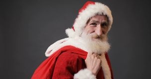 Санта идет с настоящими моментами видеоматериал