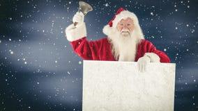 Санта Клаус держа знак и колокол совмещенными с падая снегом видеоматериал