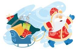Санта Клаус носит сани с подарками Стоковые Фотографии RF