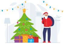 Санта Клаус с сумкой и рождественской елкой подарка Милый плоский характер зимних отдыхов Счастливая поздравительная открытка Сан иллюстрация штока