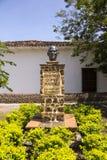 Санта-Фе de Antioquia, Antioquia, Колумбия - скульптура Фернандо Gomez Martinez Стоковое фото RF
