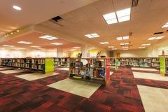 САН АНТОНИО, ТЕХАС - СПИЧКА 26, 2018 - библиотека Сан Антонио центральная, отделение публичной библиотеки стоковое фото rf
