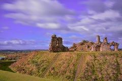 сандалия руины замока средневековая Стоковые Фотографии RF