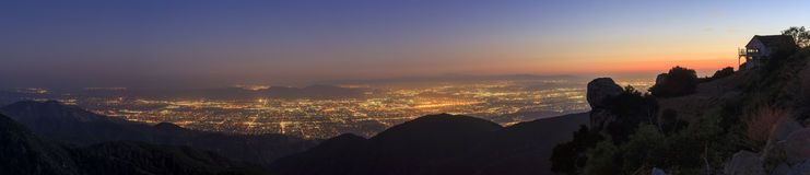 Сан Бернардино на времени захода солнца стоковое изображение rf