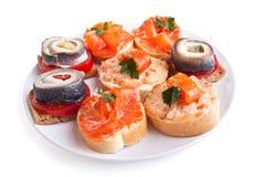 Сандвичи канапе с рыбами Стоковые Фото
