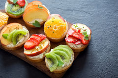 Сандвичи плодоовощ завтрака Стоковое Изображение