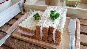 Сандвичи сыра ветчины хлеба всей пшеницы Стоковые Фотографии RF