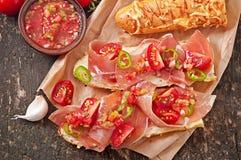 Сандвичи с погружением сальсы ветчины и томата Стоковое Изображение
