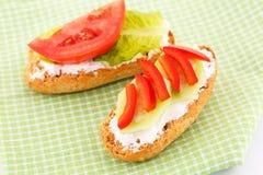 Сандвичи с сухарями и овощами Стоковое Фото