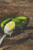 Сандвич авокадоа на таблице Стоковая Фотография RF
