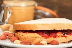 сандвич арахиса студня масла Стоковые Фото