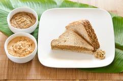 Сандвич арахисового масла Банан-мангоа Стоковые Изображения