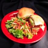 Сандвич ветчины и сыра с салатом стоковое изображение rf