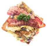 Сандвич взбитого яйца на белизне Стоковые Фото