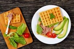 Сандвич с кусками авокадоа, pate печени индюка Стоковое Изображение