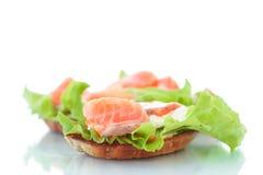 Сандвич с семгами и сыром стоковое изображение