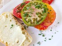 Сандвич томатов heirloom с черным перцем Стоковое Фото