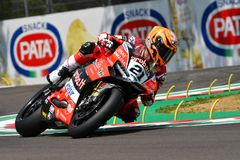 Сан-Марино Италия - 11-ое мая 2018: Майкл Рубен Rinaldi Ducati Panigale r Аруба оно гонки - команда Ducati, в действии Стоковое Изображение