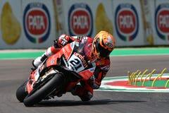 Сан-Марино Италия - 11-ое мая 2018: Майкл Рубен Rinaldi Ducati Panigale r Аруба оно гонки - команда Ducati, в действии Стоковые Фотографии RF