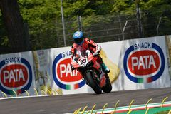 Сан-Марино Италия - 11-ое мая 2018: Marco Melandri ITA Ducati Panigale r Аруба оно гонки - команда Ducati, в действии Стоковое фото RF