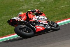 Сан-Марино, Италия - 12-ое мая 2017: Гоночная команда Ducati Panigale r BARNI передних частей Xavi ESP в действии Стоковые Изображения RF