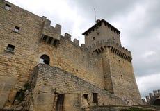 Сан-Марино, Республика Сан-Марино - 4-ое июня 2016: Замок вызвал Rocca Guaita в центральной Италии стоковые изображения rf