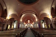 Сан-Франциско, Калифорния - 10-ое марта 2018: Интерьер церков базилики полета Сан-Франциско de Asis Стоковая Фотография