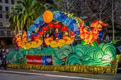 Сан-Франциско, Калифорния - 11-ое февраля 2017: Китайский парад торжества Нового Года в популярном и красочном Чайна-тауне Стоковые Изображения RF