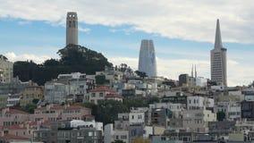Сан-Франциско с городскими skyscapers на заднем плане сток-видео