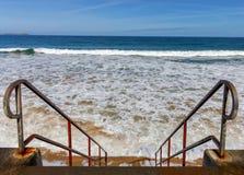Сан Malo Приливная волна на пляже города Стоковая Фотография