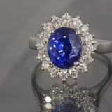 сапфир кольца диамантов Стоковое фото RF