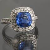 сапфир кольца диамантов Стоковые Изображения RF