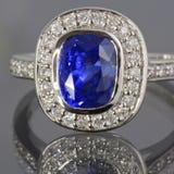 сапфир кольца диамантов Стоковые Изображения
