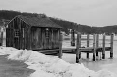 Сарай на мистическом морском порте, Коннектикуте, США стоковое изображение rf