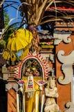 Сари Canang в поляке для торжества Galungan, острове Penjor Бали, Индонезии Стоковые Фотографии RF