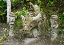Саркофаг Anciet, стулья Ambarita каменные, озеро Toba, Индонезия Стоковое Изображение RF