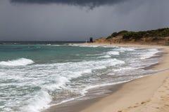 Сардиния, Италия - шторм в Средиземном море стоковые фотографии rf