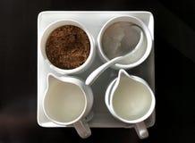 Сахар, желтый сахарный песок и молоко Стоковое фото RF
