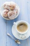 Сахар замороженности donuts десерта молока кофейной чашки сладостный Стоковое Изображение
