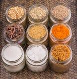Сахар и специи в плетеном подносе VIII стоковое фото