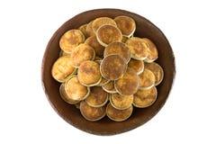Сахар Jaggery сделанный из азиатского сока ладони пальмиры заполнил внутри куски  Стоковые Изображения RF