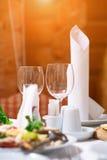 салаты сока виноградин плодоовощ фокуса корзины банкета предпосылки яблока померанцовые ставят tartlets на обсуждение Стоковое Фото