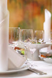салаты сока виноградин плодоовощ фокуса корзины банкета предпосылки яблока померанцовые ставят tartlets на обсуждение Стоковое фото RF