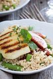 Салат кускус с зелеными фасолями и сыром Стоковые Изображения RF