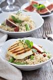 Салат кускус с зелеными фасолями и сыром Стоковое Фото
