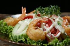 Салат овощей, зажаренная креветка Стоковая Фотография