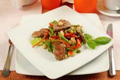 Салат с мясом и овощами Стоковые Фото